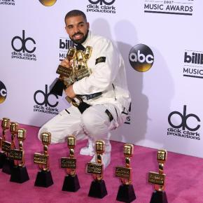 Drake Broke the Chart at Billboard for most Wins in onenight!
